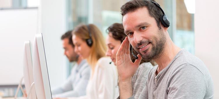 9 Ways to Improve Employee Satisfaction with Customer Support Software